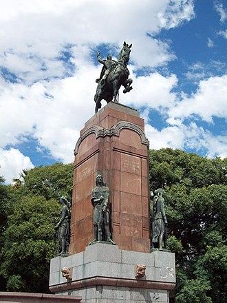 Monument to General Carlos M. de Alvear - Image: Monumento a Carlos María de Alvear II