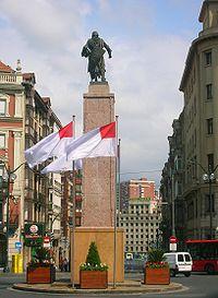 Monumento a Don Diego López de Haro en la Plaza Circular