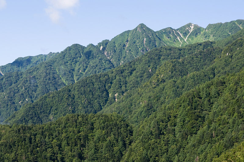 ファイル:Mt.Tagiridake and Mt.Akanagidake 01.jpg