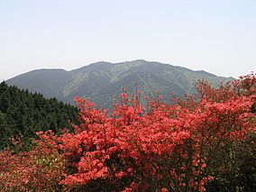 Mt. Kongo (taken from Mt. Yamatokatsuragi) 02.JPG