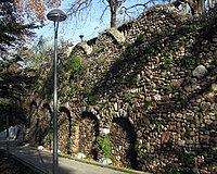 Murs de contenció casa Salvans, parc de Vallparadís.jpg