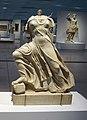 Musée Louvre-Lens.- Sculpture provenant du fronton d'un temple (1).jpg