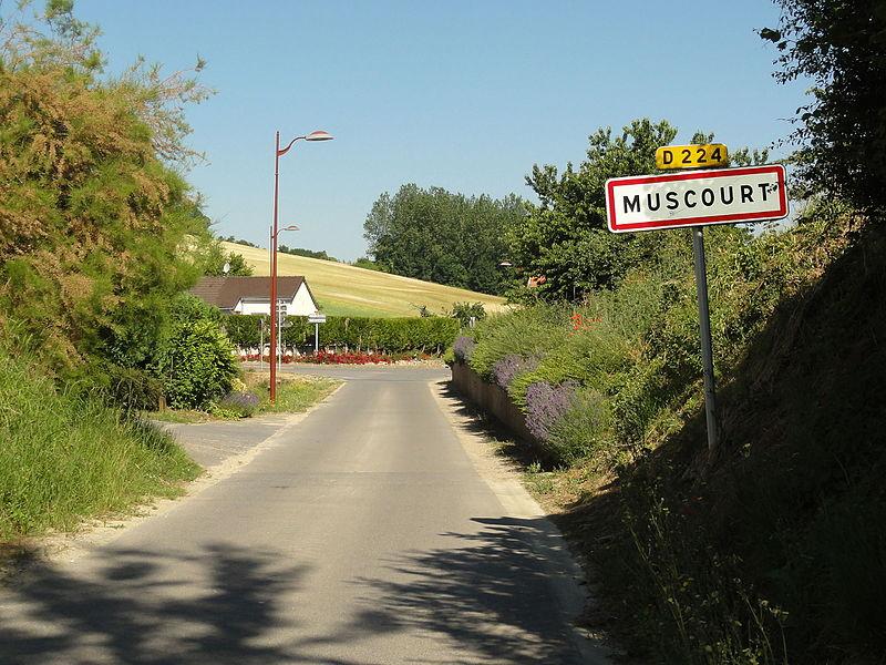 Muscourt (Aisne) city limit sign