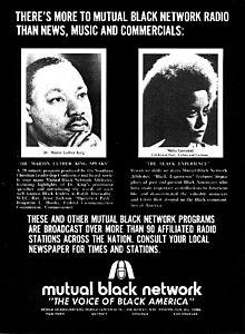 """Fotoj de pripensema viro kaj virino, akompanite per ampleksa kopio, inkluzive de la slogano """"The Voice of Black America (La Voĉo de Nigra Ameriko)""""."""