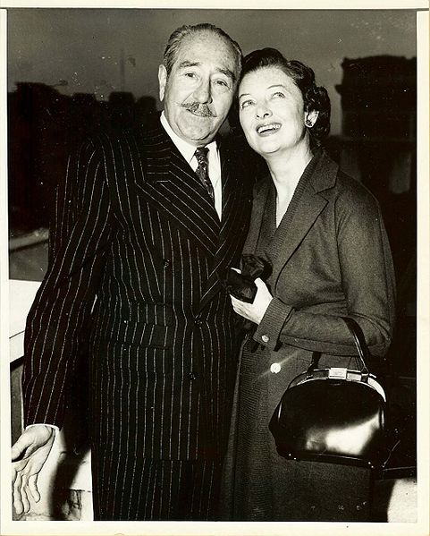 File:Myrna LOY Mature Adolphe MENJOU Vintage PHOTO.jpg