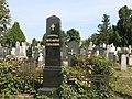 Nadgrobni spomenik Mite Topalovića 2.jpg