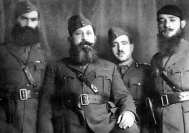 Napoleon Zervas (2nd from left) with fellow EDES officers Fotios Zambaras (1st from left)