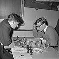 Nationaal Jeugdschaaktoernooi L J M Kerkhoff (links) en H Ree, Bestanddeelnr 916-2618.jpg