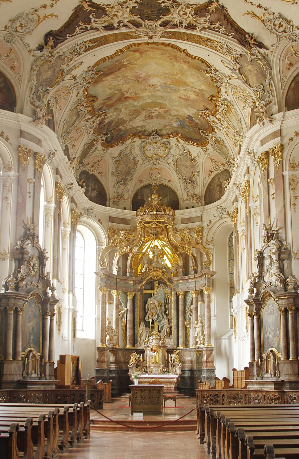 Nave and main altar - Augustinerkirche - Mainz - Germany 2017.jpg