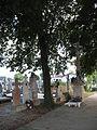 Negyed temetőkereszt plébanosokkal.JPG