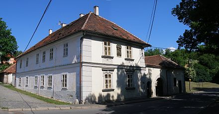 Birthhouse of Antonin Dvorak in Nelahozeves. Nelahozeves, Dvorakuv dum - celek.jpg