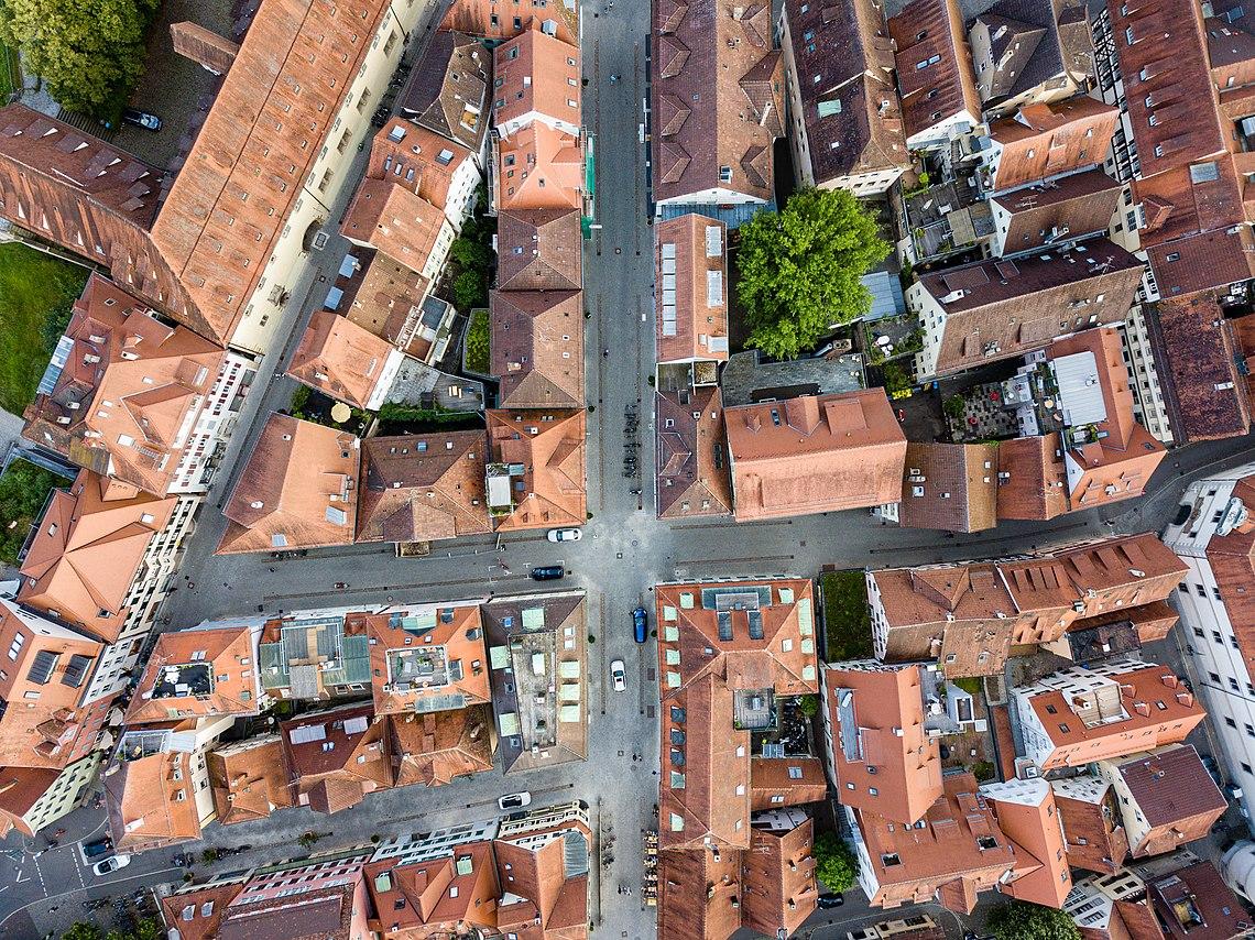 Neue Straße und Hafengasse in Tübingen aus der Luft.jpg