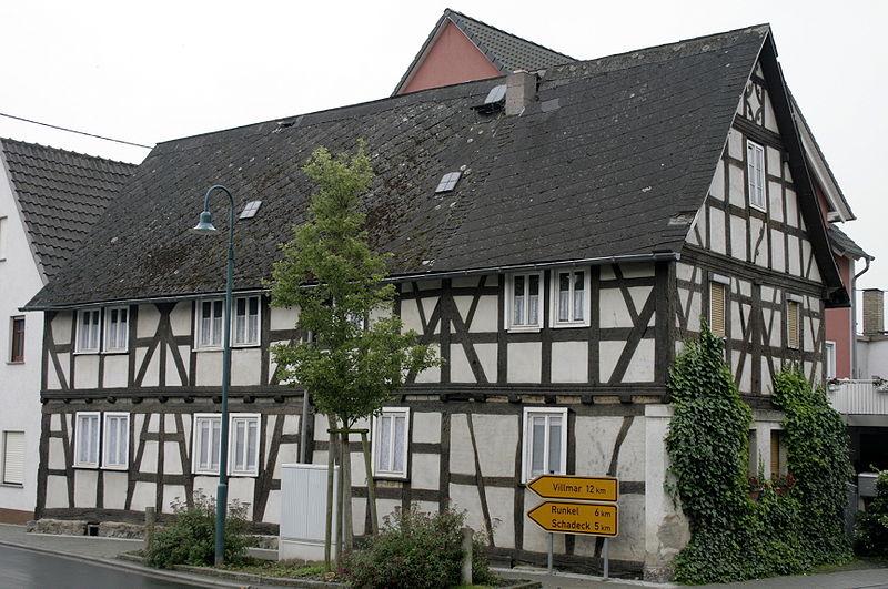 Datei Niedertiefenbach altes Haus JPG –