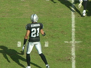 Oakland Raiders cornerback Nnamdi Asomugha at ...