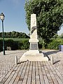 Nouans (Sarthe) monument aux morts.jpg