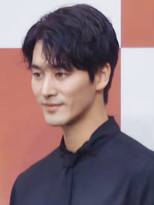 Oh Chang-seok in May 2019.png
