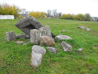 Vawkavysk - Remains of the old Jewish cemetery Vaukavysk (outside Mudrenko)