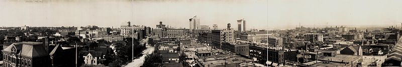 Downtown Omaha looking east from approximately North 30th and Farnam Streets circa 1914.