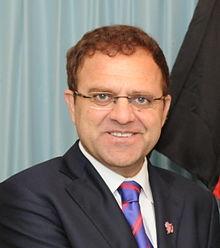 オマル・ザーヒールワール - Omari Nundu - Wikipedia
