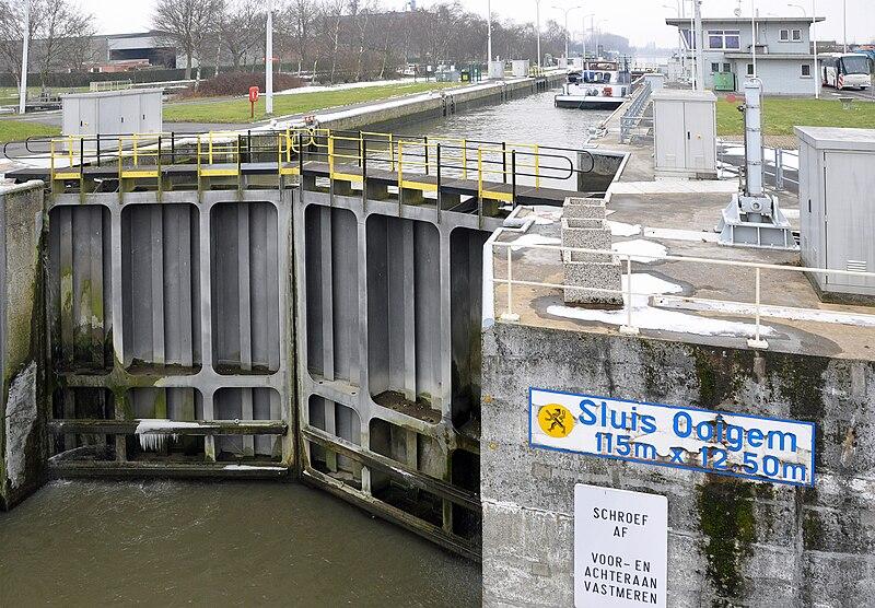 Bestand:Ooigem Nieuwe Sluis R01.jpg