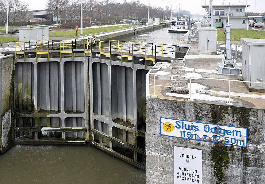 Ooigem (Wielsbeke, Belgium): new lock on the Roeselare-Leie canal, 1973