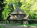 Orry-la-Ville (60), pavillon de thé au parc du château de la Borne Blanche.jpg