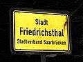 Ortstafel, Stadt Friedrichsthal (Saar), 2010 .jpg