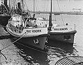 Overdracht Prins Hendrik, de nieuwe reddingboot Den Helder. Hier samen op de , Bestanddeelnr 904-9987.jpg