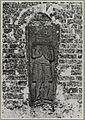 Overzicht ingemetselde grafzerk aan de noordzijde van het schip van de hervormde kerk - Anloo - 20319308 - RCE.jpg