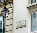 P1260747 Paris IV rue de Sevigne ancienne plaque rwk.jpg