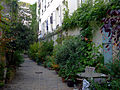 P1330650 Paris XI rue de Charonne n37 rwk.jpg