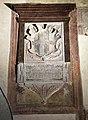 Palazzo di arnolfo, interno, stemma malegonnelli.jpg
