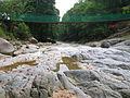 Pandangan sekitar bawah jambatan gantung pejalan kaki di hilir Air Terjun Chamang, Bentong, Pahang.JPG