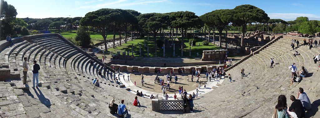 Vue panoramique sur le Théâtre d'Ostie près de Rome - Photo de Livioandronico2013
