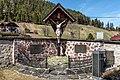 Paternion Kreuzen 16 Friedhof Kruzifix mit Kriegerdenkmal 06042018 2865.jpg