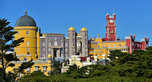 Nationalpalast Pena (Kulturlandschaft Sintra; UNESCO-Welterbe in Portugal). Pena National Palace - Sintra - Palácio Nacional da Pena