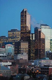 http://upload.wikimedia.org/wikipedia/commons/thumb/7/7f/Petro-Canada-Centre-Szmurlo.jpg/220px-Petro-Canada-Centre-Szmurlo.jpg
