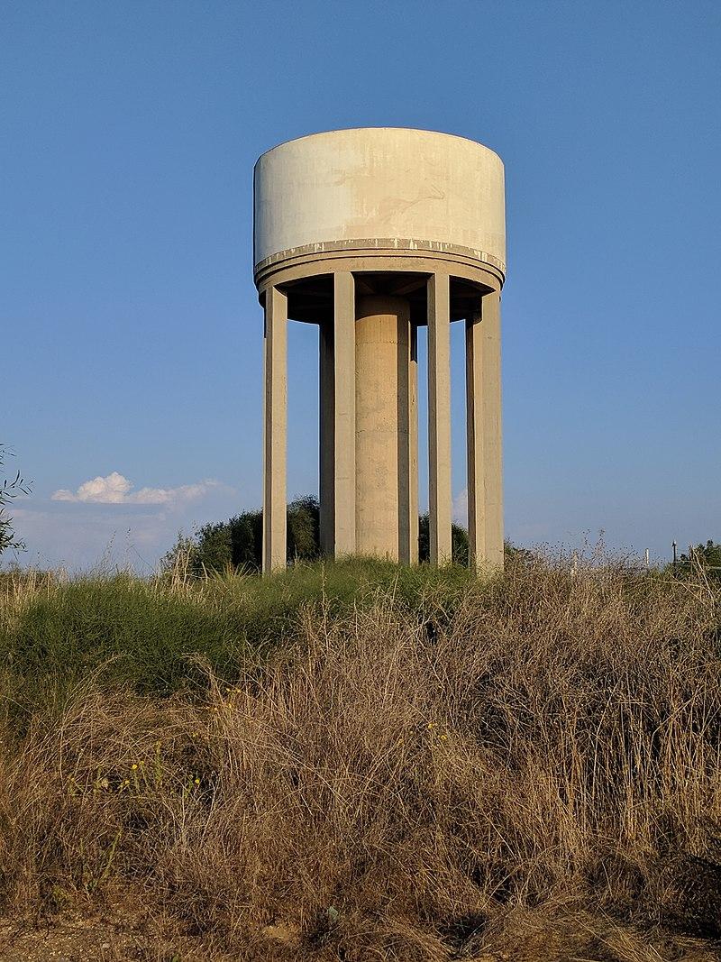 מגדל המים הישן בקיסריה