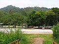 Pintu masuk ke Kolam Air Panas Bentong. Gambar dari jambatan gantung - panoramio.jpg
