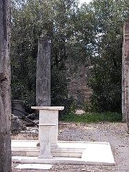 Pompeii pedestals.jpg