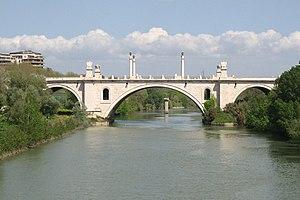 Lungotevere Salvo D'Acquisto - Ponte Flaminio; to the right, the lungotevere