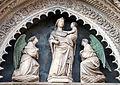 Porta dei canonici, madonna col bambino e angeli di Niccolò di Pietro Lamberti o Lorenzo di Niccolò 02.JPG
