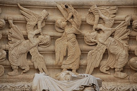 Portal de Saint-Trophime de Arles. Detalle de las arquivoltas 01