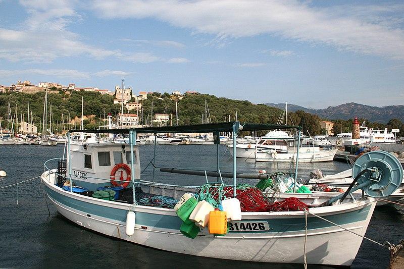 Porto-Vecchio France (Corse du Sud), le port et la vieille ville.