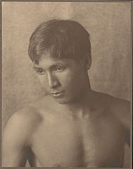 Portrait of Japanese-Hawaiian boy 1909.jpg