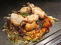 Preparation of okonomiyaki in shimo kitazawa 06.JPG