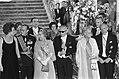 President Heinemann biedt koningin Juliana en prins Bernhard een banket in een k, Bestanddeelnr 925-0830.jpg
