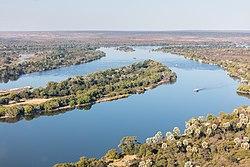 Río Zambeze, Zambia-Zimbabue, 2018-07-27, DD 25.jpg