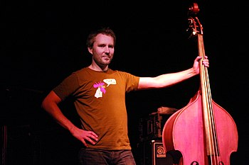 English: Reid Anderson, bass player of the ame...