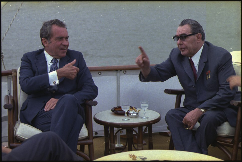 Richard M. Nixon and Leonid Brezhnev aboard the Sequoia - NARA - 194518